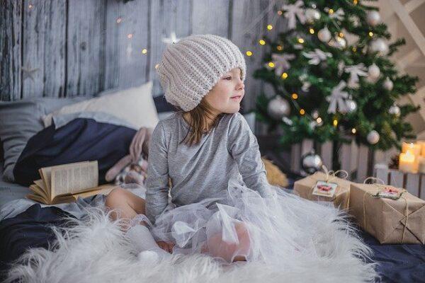 ダイソーのクリスマスグッズ【2021年版】ツリー飾りやサンタ衣装もまとめて紹介!